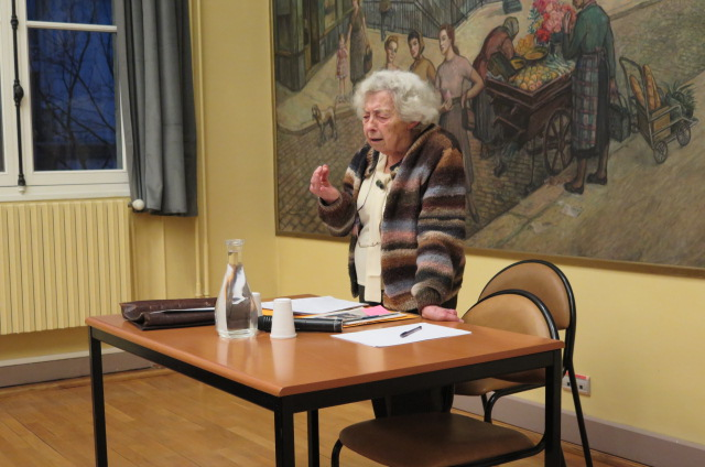 Yvette Sornin durant la conférence