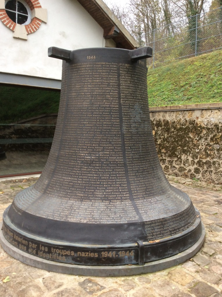 Monument à la mémoire des 1008 fusillés officiellement recensés